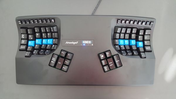 Kinesis KIN-ADVWUSBHY Advantage Tastatur (UK-Layout, USB) schwarz/silber (Affiliate)
