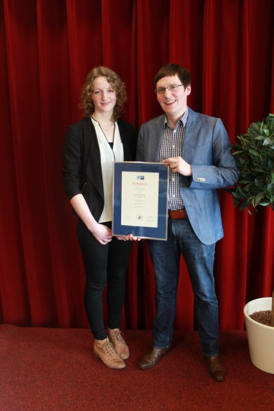 Gerda Feldhaus als Berufsbeste 2015 von der IHK Oldenburg geehrt